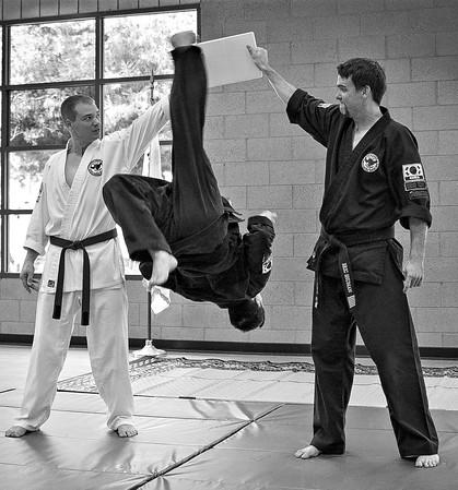 Unbelievable athleticism by 5th degree Hapkido black belt Master Dean Kwon.
