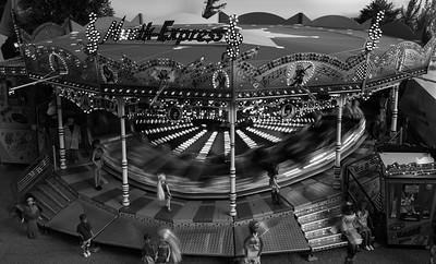 Ein funktionsfähiges und massstabsgetreues Modell eines Karusells.