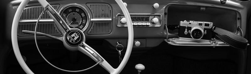 VW Käfer De Luxe 1200 und Leica M3, beide 1961.