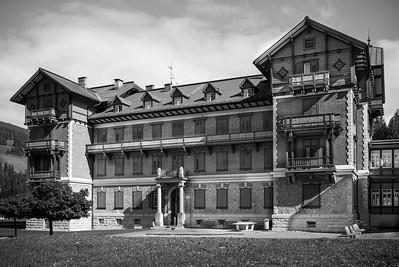 Das Grand Hotel Toblach ist ein von der österreichischen Südbahngesellschaft als Eisenbahnhotel von 1877 bis 1878 errichtetes Luxushotel in Toblach in Südtirol, das nach seiner umfassenden Renovierung seit 1999 als Kulturzentrum fungiert.