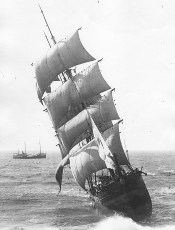 In October 1913 people on shore stared in disbelief as the Glenesslin sailed onto the rocks of Neahkahnie Mountain. The ship was under almost full sail on a day of perfect weather.