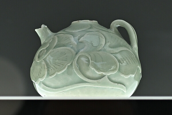 Relief-carved ewer, China, Shaanxi province, Yaozhou kilns, Five Dynasties (907-960)