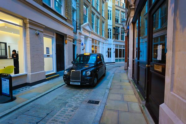Big Bruv's Taxi