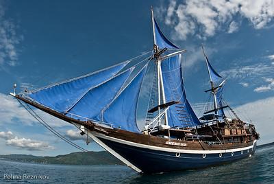 Raja Ampat - Land & Boat