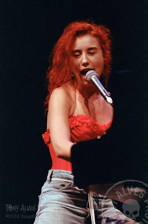 Tori-Amos-1992-09-02_11