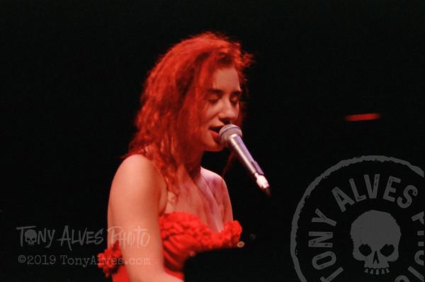 Tori-Amos-1992-09-02_15