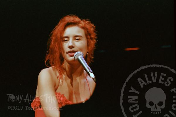 Tori-Amos-1992-09-02_02