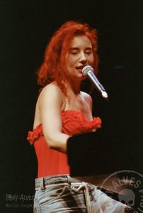 Tori-Amos-1992-09-02_16
