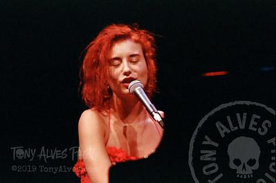 Tori-Amos-1992-09-02_22