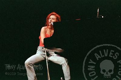 Tori-Amos-1992-09-02_08