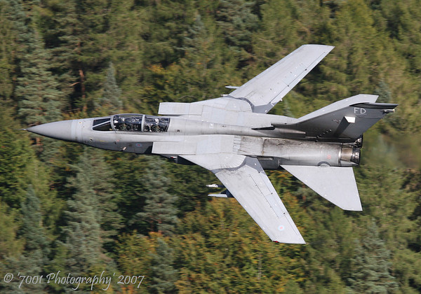 ZE254/'FD' (25 SQN marks) Tornado F.3 - 4th October 2007.