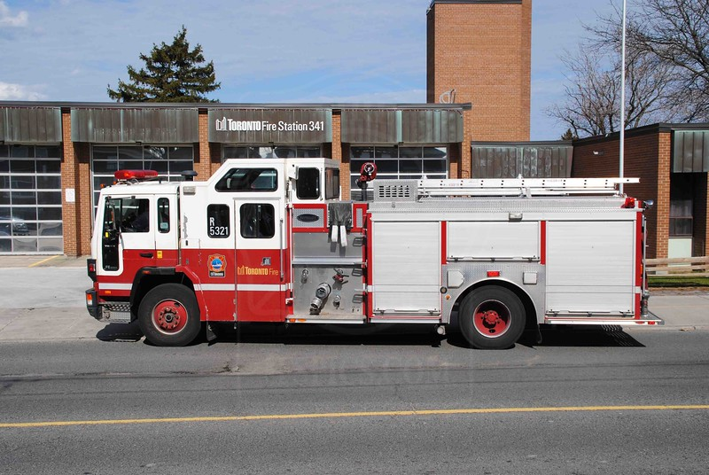 Rescue 341 operating their former rig as a spare.<br /> <br /> Photo by Larry Thorne