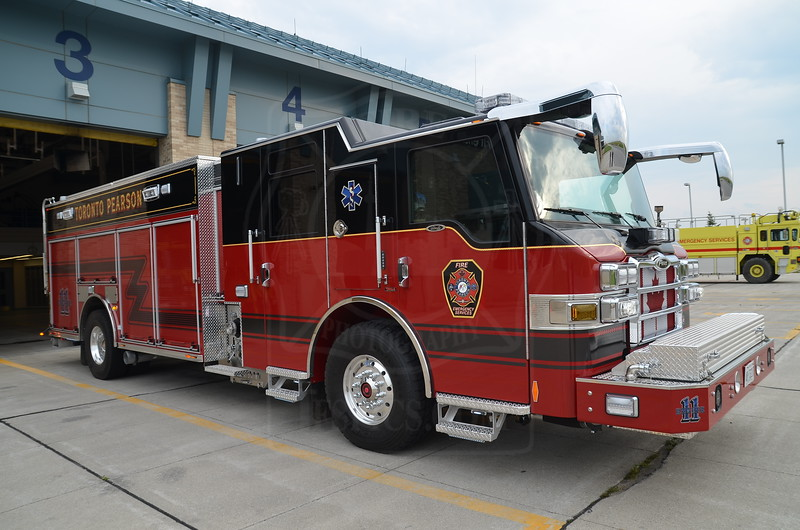 Toronto Pearson Fire Emergency Services - Engine 11<br /> <br /> Photo by Larry Thorne