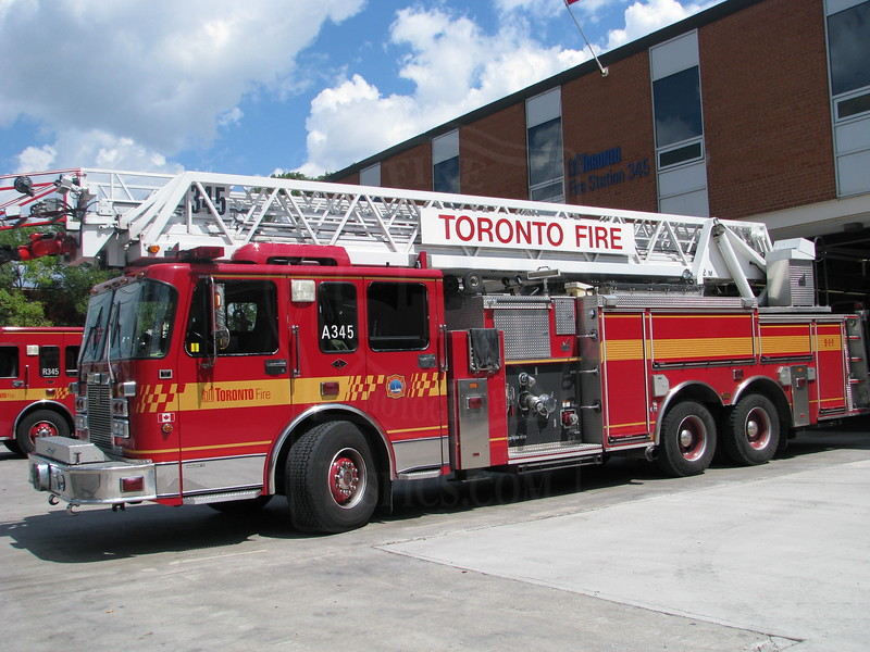 Aerial 345 in front of quarters.<br /> <br /> Photo by Justin Waldon