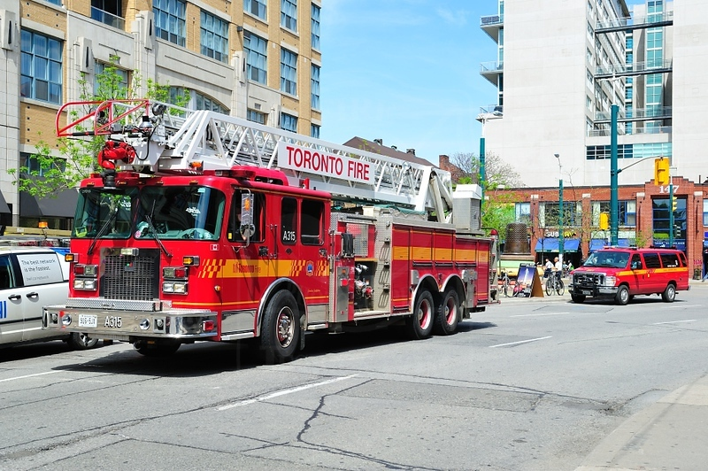 Aerial 315 at an alarm call on Richmond St. West., May 21, 2011.<br /> <br /> Photo by Kenneth Lai