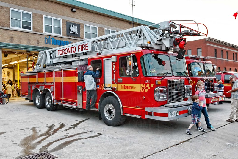Station 423 open house for TFS Fire Prevention Week.<br /> <br /> Photo by Kevin Hardinge
