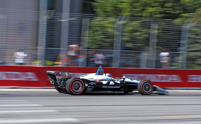 Pagenaud in the early lead passing the Enercare Center.