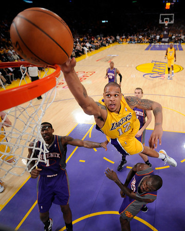 Lakers Scorch the Suns (Game 1)