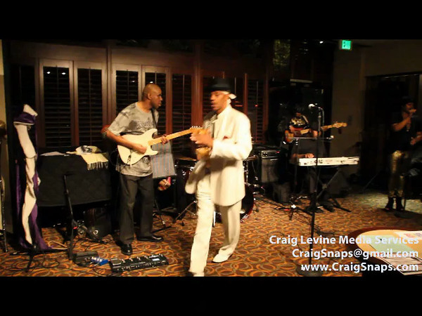 """Wild Chapitoola singing """"Fire on the Bayou"""".  Torré Brannon-Reese does """"Carnival Time"""" / """"The Soul of New Orleans"""" poem ...who dat, I got  apples!!!!"""
