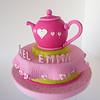 Tetera (tea pot) rosada  para una gran mesa con amigas.