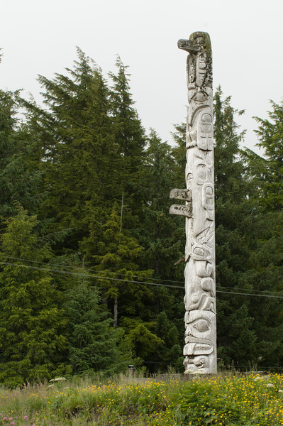 Friendship pole by Stan Marsden