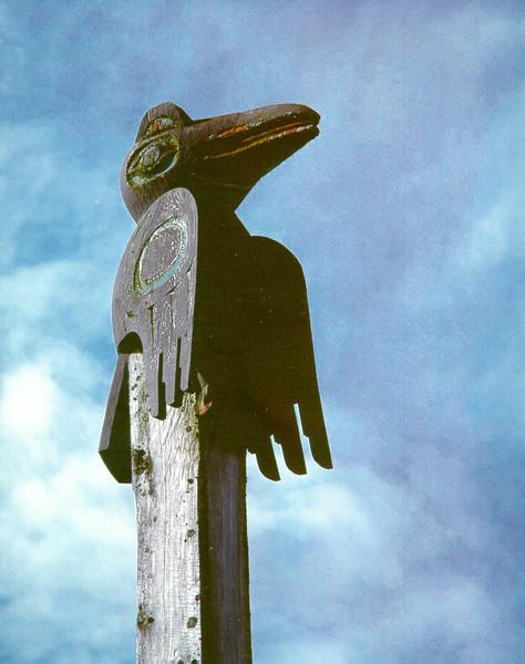 Raven pole