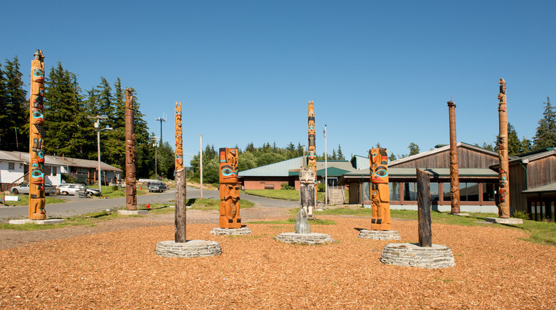 Overview of totems in the Hydaburg schoolyard.
