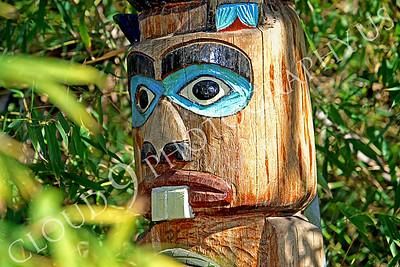 Totem pole 00002 by Peter J Mancus