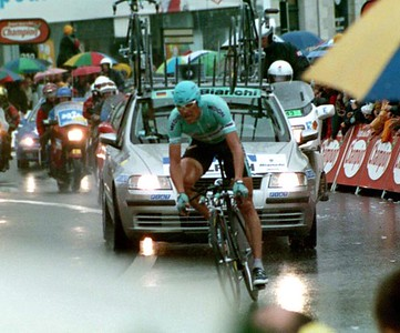 Stage 19 - Pornic to Nantes TT - Jan Ullrich enters last turn