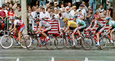 Stage 20 - Champs Elysees - Ekimov leads Lance Armstrong and Floyd Landis