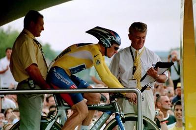 Prologue TT - Paris - Lance waits to start