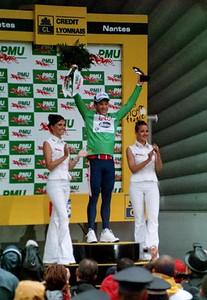 Stage 19 - Pornic to Nantes TT - Robbie McEwen on the podium