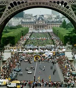 Prologue TT - Paris - Start house below Eiffel Tower