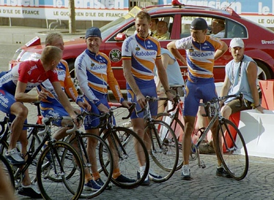 Stage 20 - Champs-Elysees Paris - Levi Leipheimer with team mates