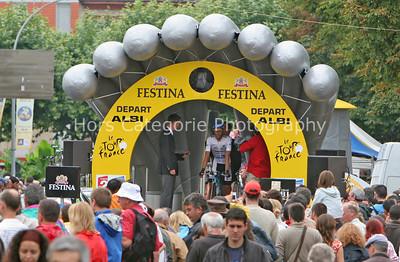 8845 Alberto Contador in the start house
