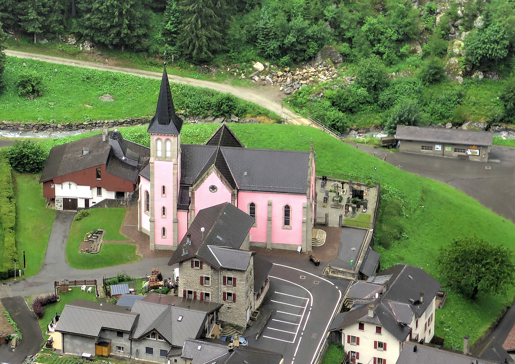 Still a bit damp we reached Trient and the pink church pictured here from the track down the hillside