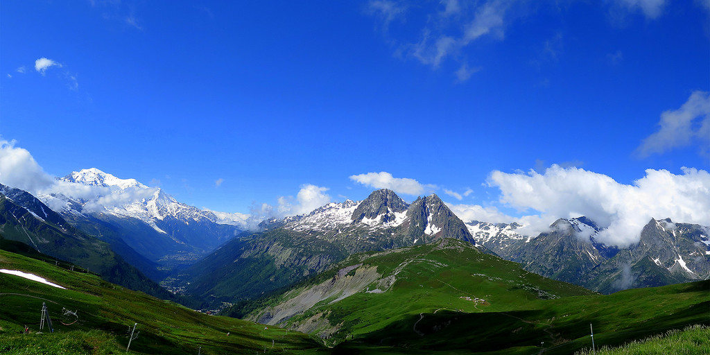"""After a coffee at the refuge Col de Balme (2191m) and crossing swords with the """"Dragon Lady"""" who runs the place, the extensive view down the Chamonix Valley spreads out before us.   We are now back in France"""