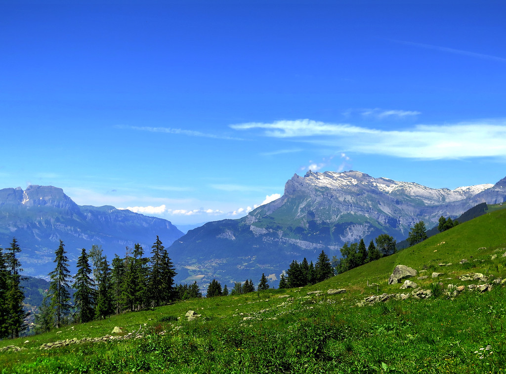 The descent to Les Contamines