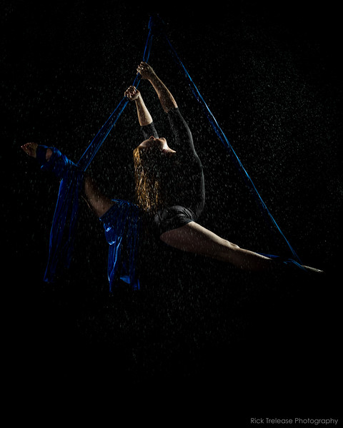 @leilaricciardo  Anti-Gravity Yogo Instructor, Aerialist