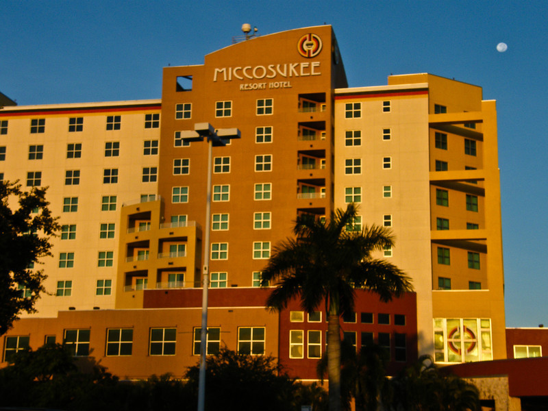 Tamiami Trail - east boundary Everglades - 153 miles - 474 photos<br /> Miccosukee lands<br /> Miccosukee Resort Hotel - 1 night