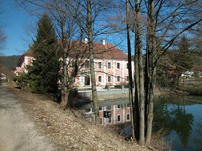 Schlossgaststätte Kröblitz direkt am Radweg Murnthal
