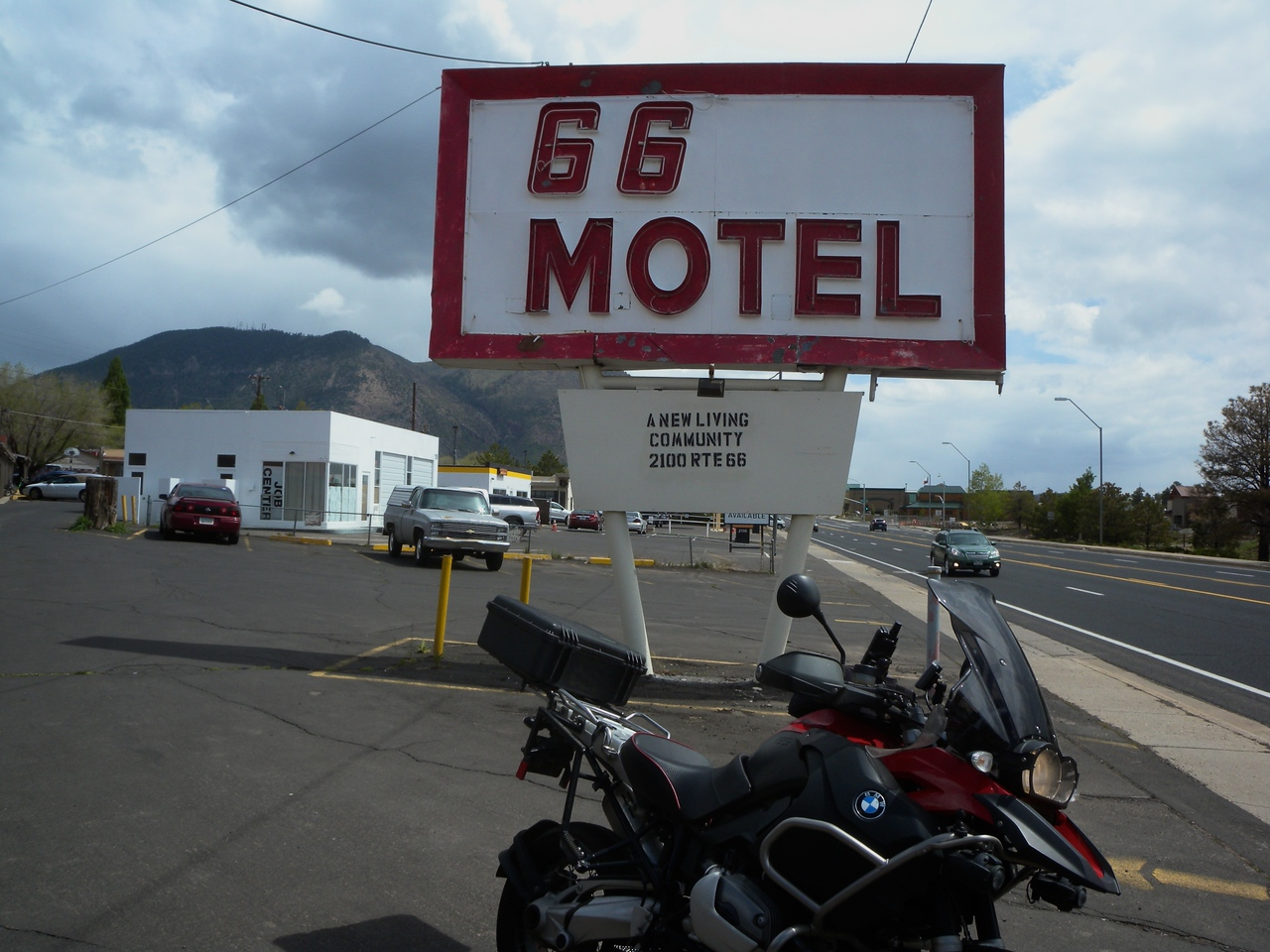 Motel 66, Route 66, Flagstaff, AZ, closed, no longer a motel