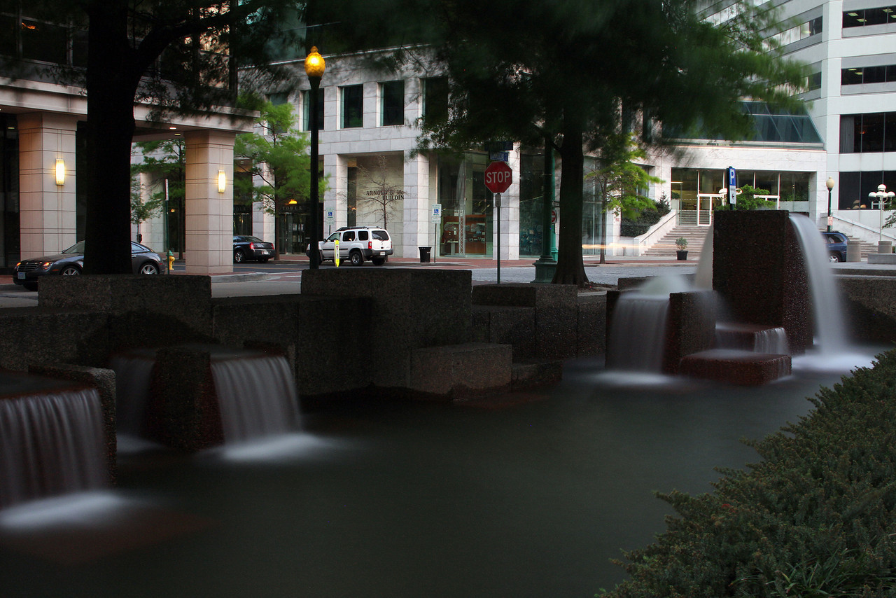 Commercial Place Fountain on Main Street, Norfolk