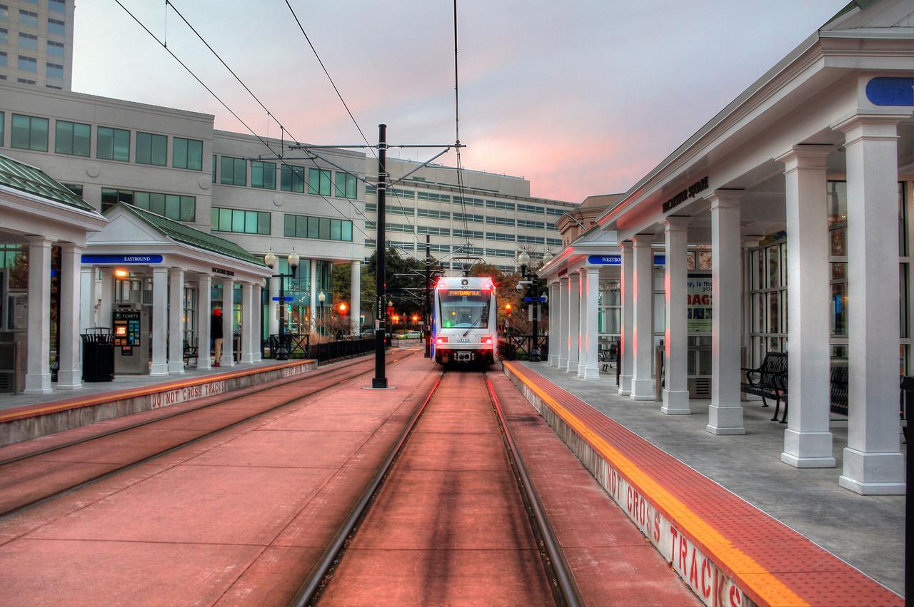MacArthur Lightrail Station