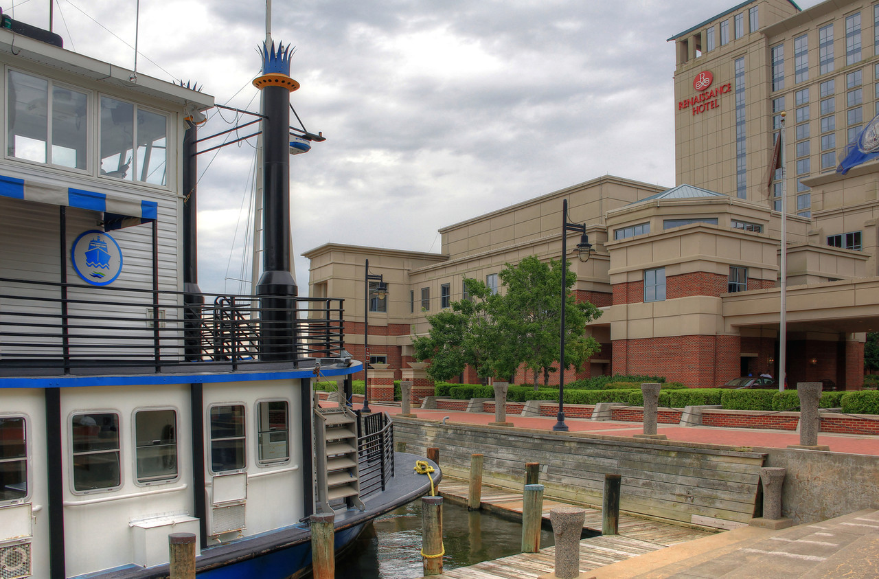 Elizabeth River Ferry at the Renaissance Portsmouth Hotel