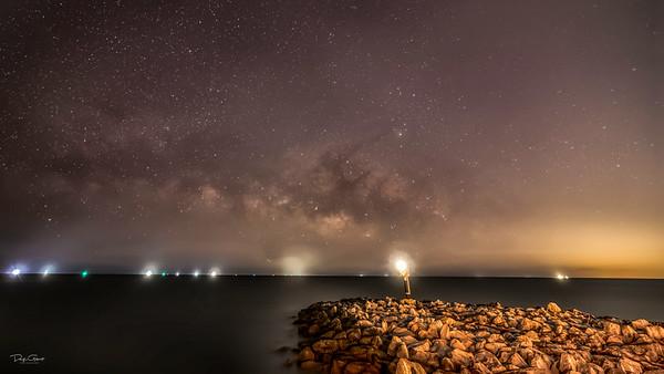 Made from 153 light frames by Starry Landscape Stacker 1.8.0.  Algorithm: Min Horizon Noise