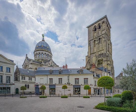 Saint-Martin et Charlemagne