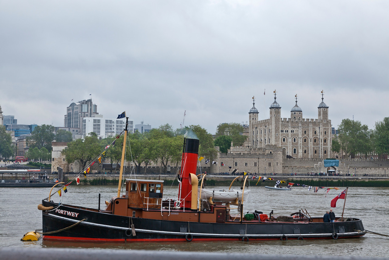 Portwey Coal Tug in front of the Tower of London