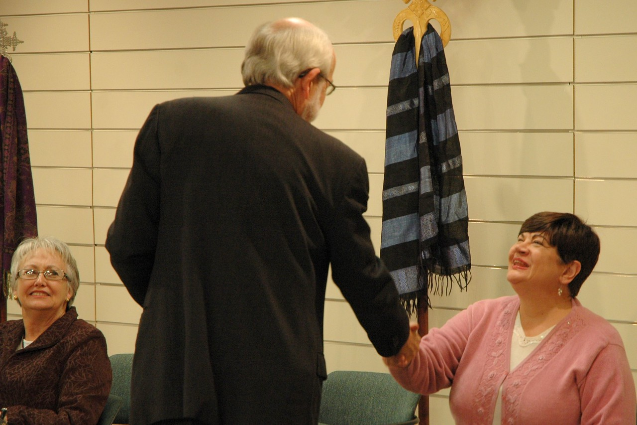 Bishop Hanson greets an ELCA member.