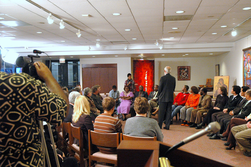 Lutheran Center audience member Samantha Ingram, from Bethel Lutheran in Chicago, asks ELCA Presiding Bishop Mark Hanson a question during the November 21, 2010 Online Town Hall Forum.